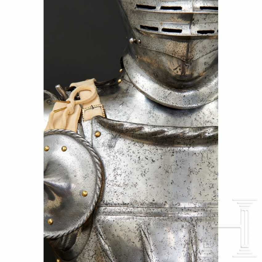 Maximilian knightly armor, German, around 1510/20 - photo 8