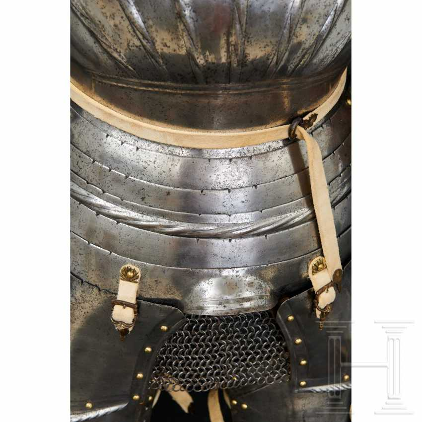 Maximilian knightly armor, German, around 1510/20 - photo 9