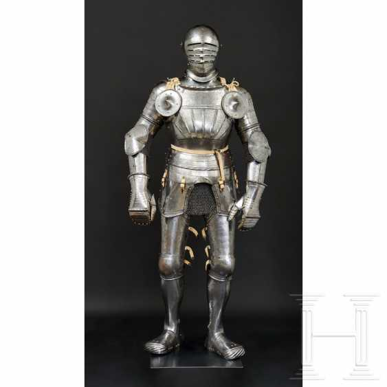 Maximilian knightly armor, German, around 1510/20 - photo 12