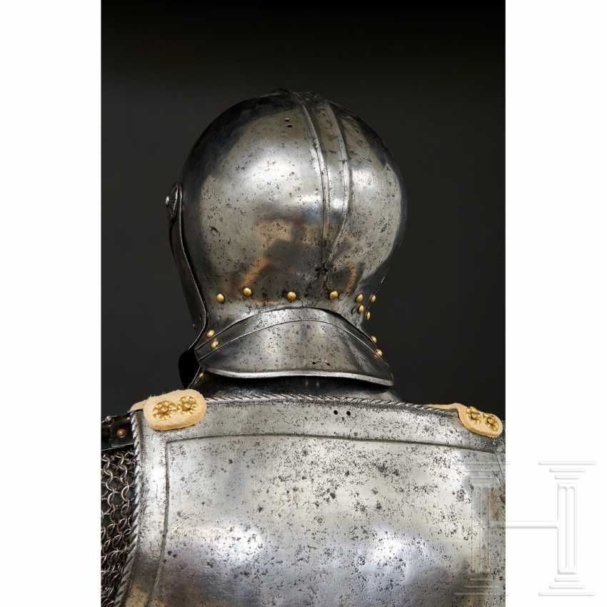 Maximilian knightly armor, German, around 1510/20 - photo 16