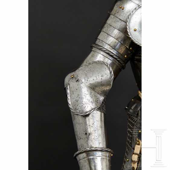 Maximilian knightly armor, German, around 1510/20 - photo 20