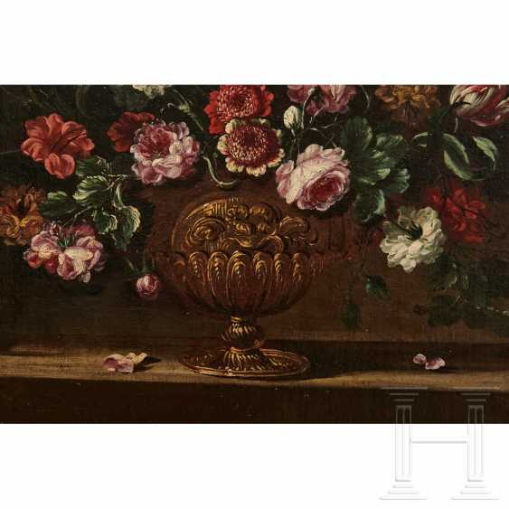 A pair of large flower still lifes, Roman School, Italy, 17th century - photo 5