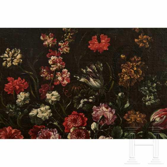 A pair of large flower still lifes, Roman School, Italy, 17th century - photo 6