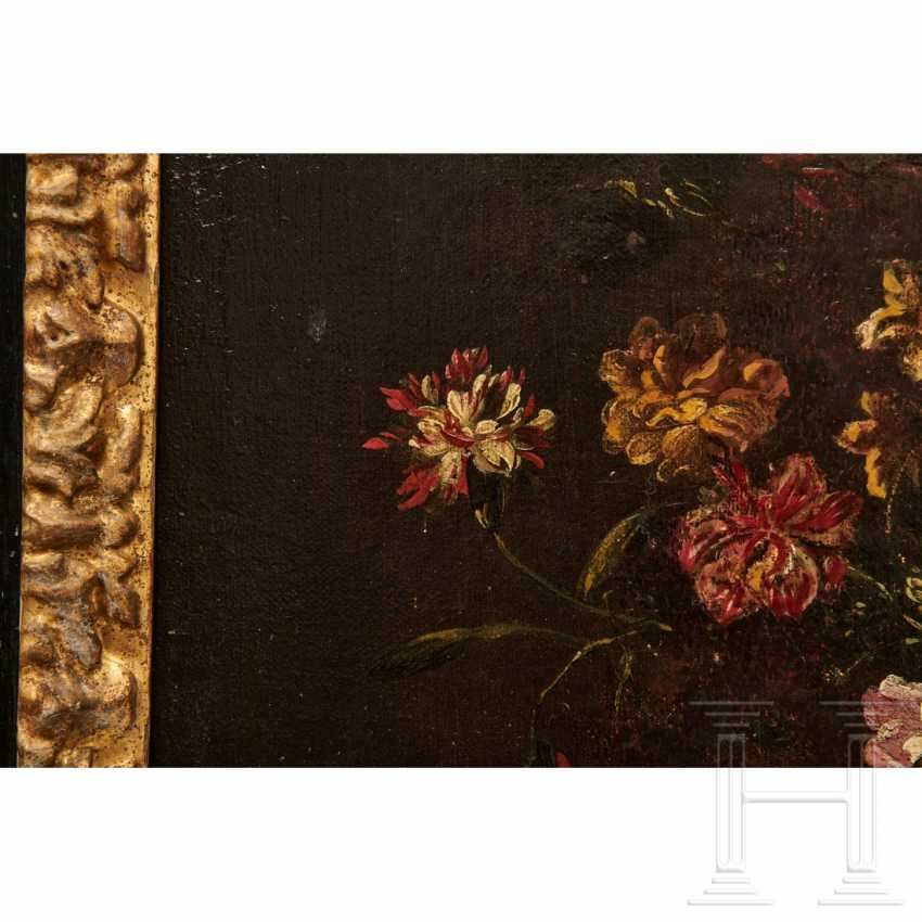 A pair of large flower still lifes, Roman School, Italy, 17th century - photo 15