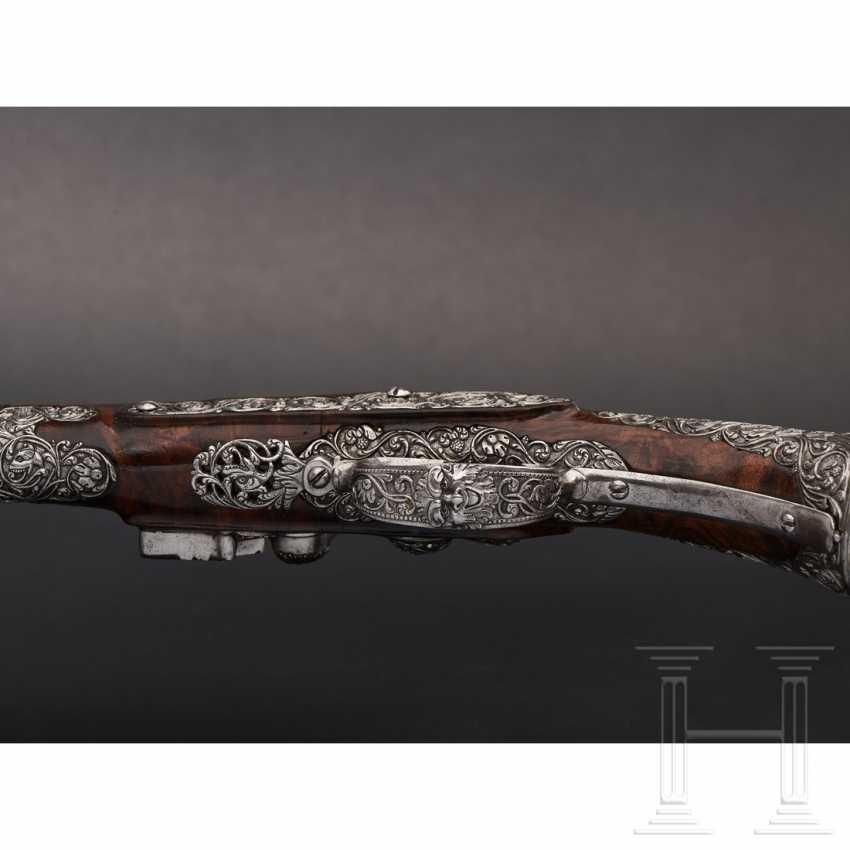 A pair of iron-cut stone pistols, Andrea Medecina in Brescia, around 1670 - photo 4