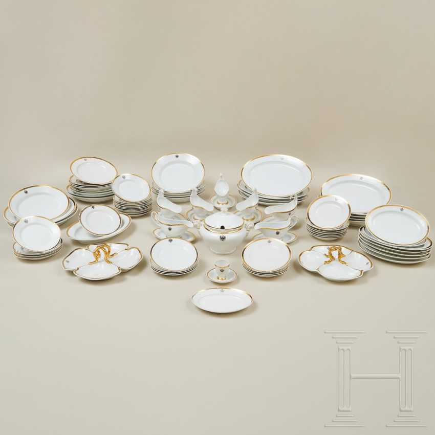 78 pieces from the large dinner service of the princes of Schwarzburg-Rudolstadt, 19th and early 20th centuries - photo 19