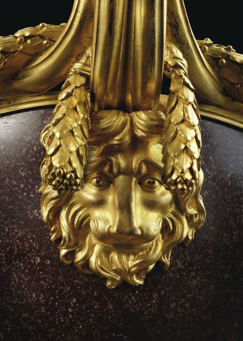 A FRENCH ORMOLU-MOUNTED PORPHYRY BOWL - photo 2