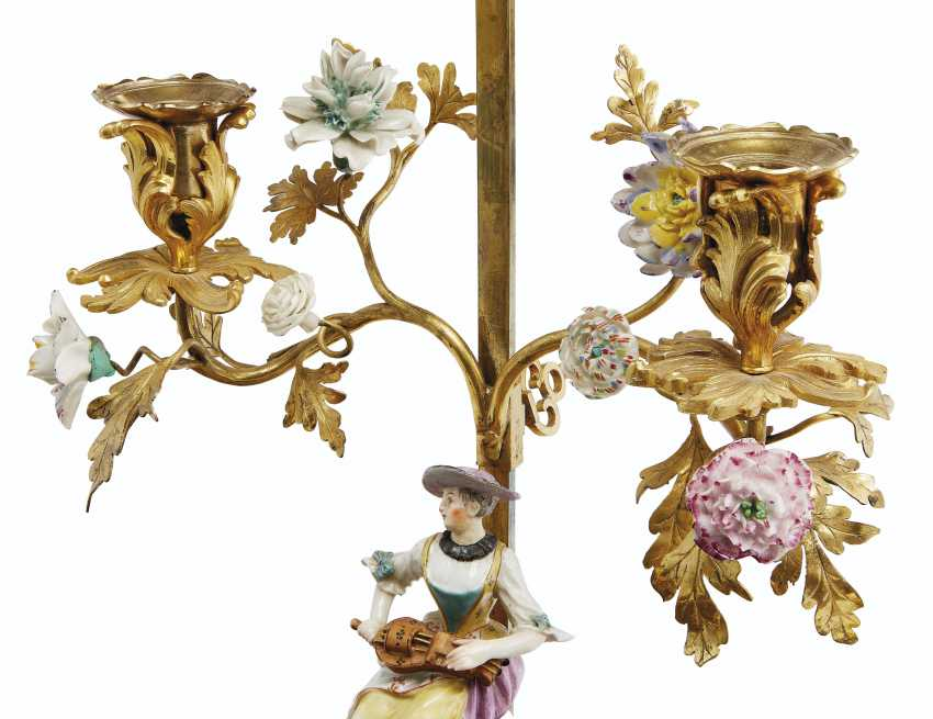 A LOUIS XV ORMOLU-MOUNTED MEISSEN, FRENCH PORCELAIN AND LACQUER ENCRIER - photo 3