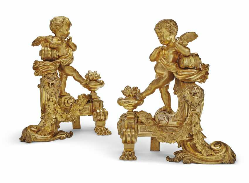 A PAIR OF FRENCH ORMOLU FIGURAL CHENETS - photo 1