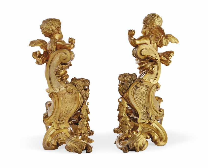 A PAIR OF FRENCH ORMOLU FIGURAL CHENETS - photo 3