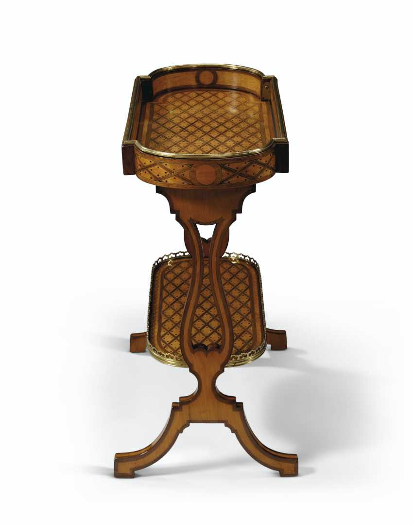 A FRENCH BRASS-MOUNTED AMARANTH AND SYCAMORE PARQUETRY TRICOTEUSE - photo 3