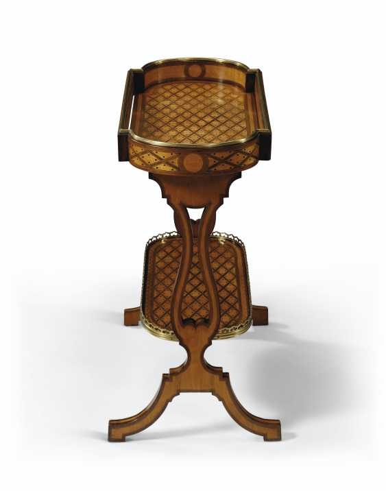 A FRENCH BRASS-MOUNTED AMARANTH AND SYCAMORE PARQUETRY TRICOTEUSE - photo 5