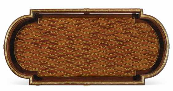 A FRENCH ORMOLU-MOUNTED AMARANTH, TULIPWOOD, AND BOIS SATINE PARQUETRY TRICOTEUSE - photo 5