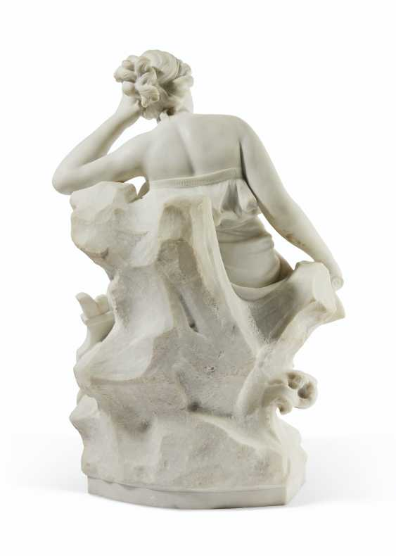 AN ITALIAN WHITE MARBLE FIGURE OF SAPPHO - photo 3