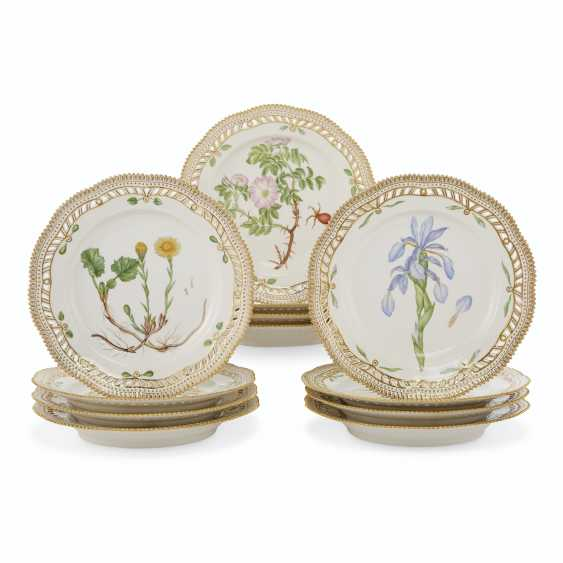 TWELVE ROYAL COPENHAGEN PORCELAIN 'FLORA DANICA' PIERCED PLATES - photo 1