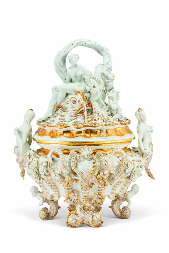A MEISSEN PORCELAIN 'SWAN SERVICE' FIGURAL TUREEN AND COVER - photo 1