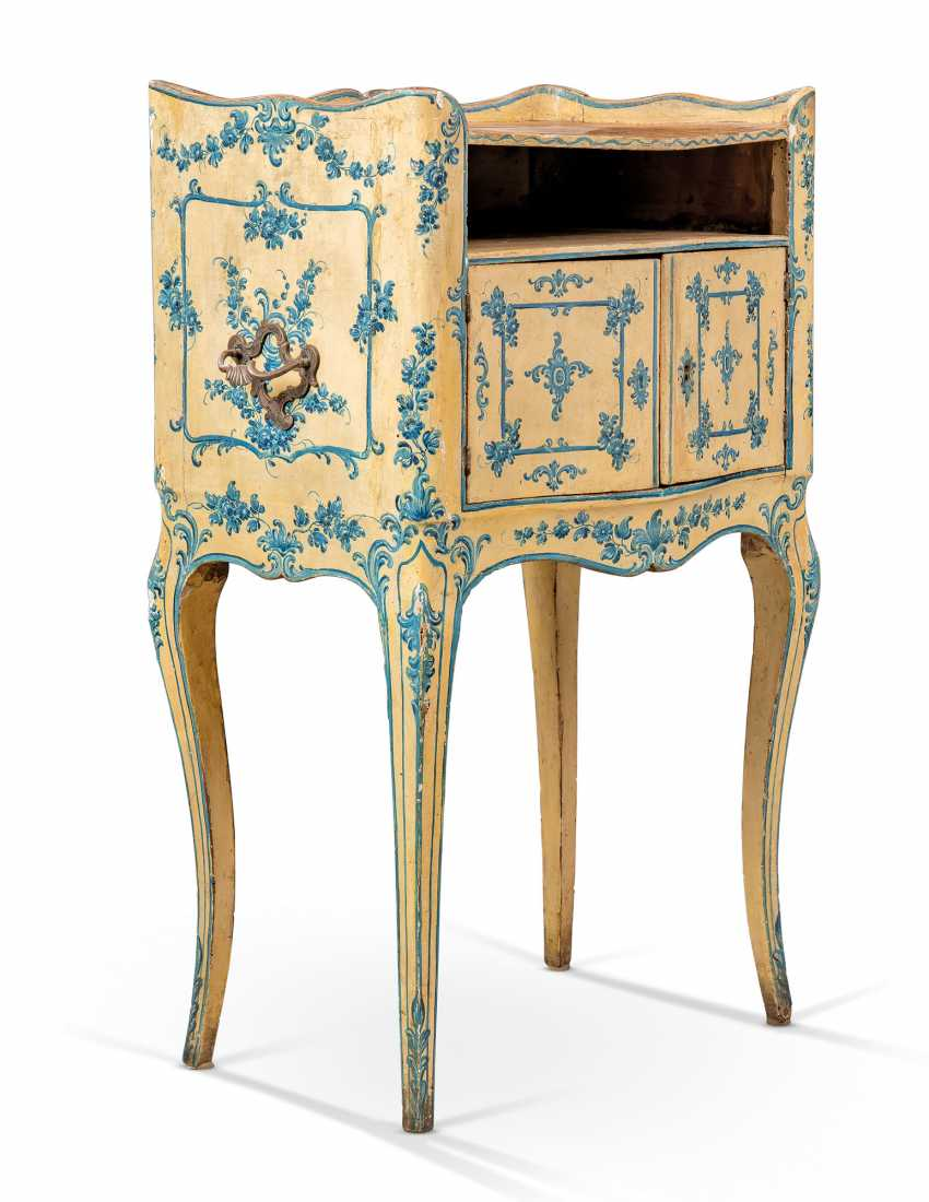A NORTH ITALIAN ROCOCO BLUE AND WHITE 'LACCA' COMODINO - photo 3