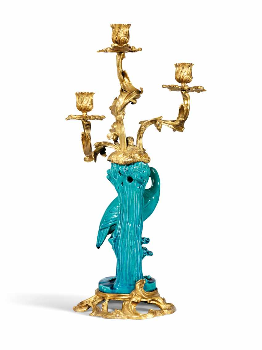 A PAIR OF ORMOLU-MOUNTED CHINESE TURQUOISE-GROUND PORCELAIN THREE-LIGHT CANDELABRA - photo 3