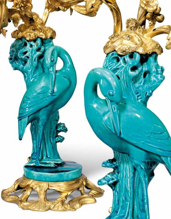 A PAIR OF ORMOLU-MOUNTED CHINESE TURQUOISE-GROUND PORCELAIN THREE-LIGHT CANDELABRA - photo 4