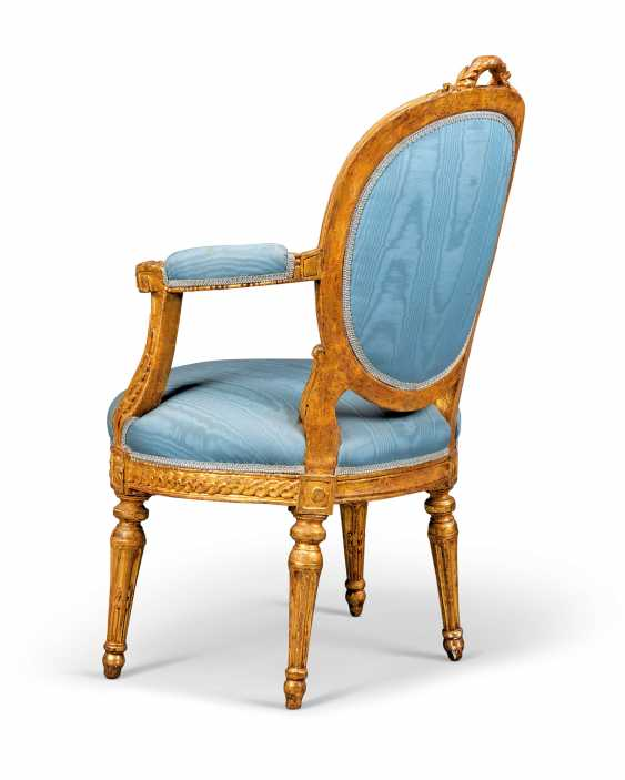 A PAIR OF NOTH ITALIAN GILTWOOD FAUTEUILS - photo 3