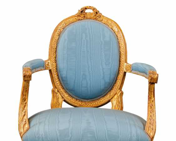 A PAIR OF NOTH ITALIAN GILTWOOD FAUTEUILS - photo 4