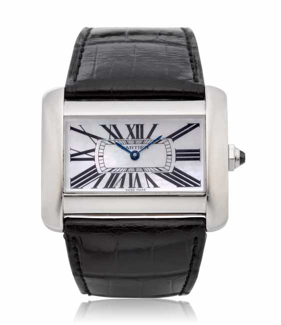 CARTIER, TANK DIVAN, MOTHER OF PEARL DIAL, REF. 2600 - photo 1