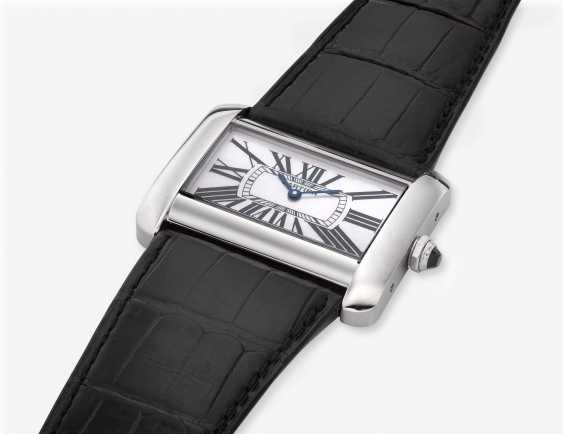 CARTIER, TANK DIVAN, MOTHER OF PEARL DIAL, REF. 2600 - photo 2