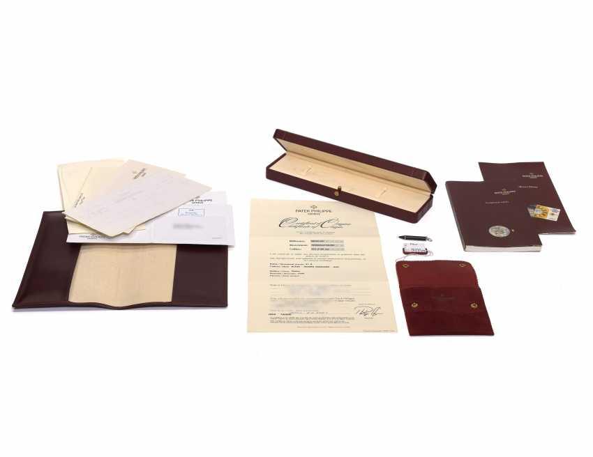 PATEK PHILIPPE, PERPETUAL CALENDAR, PLATINUM, REF. 5059 - photo 4