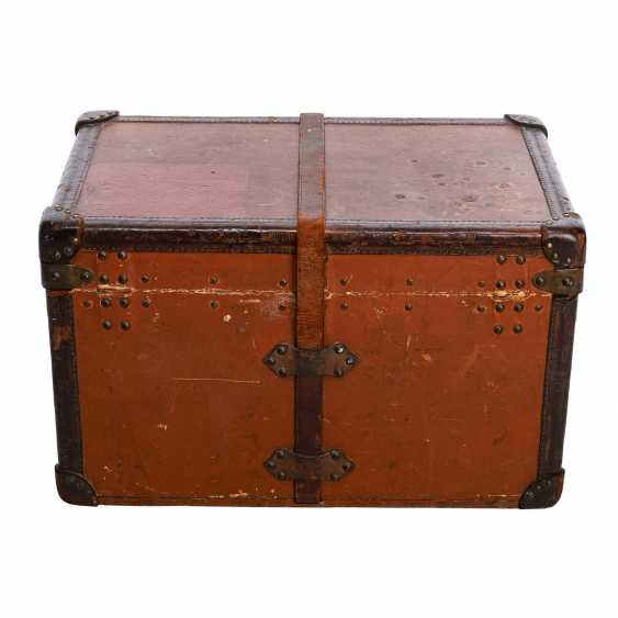 "LOUIS VUITTON VINTAGE historical chest ""MALLE COURIER"". - photo 4"