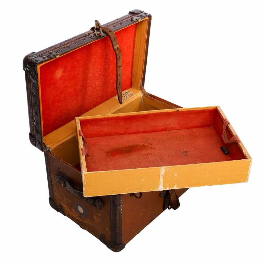 "LOUIS VUITTON VINTAGE historical chest ""MALLE COURIER"". - photo 6"