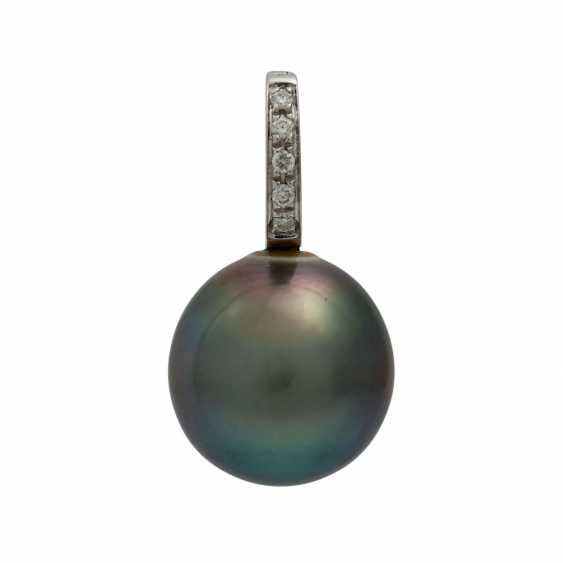 Pendant with Tahitian pearl and small diamonds, - photo 1