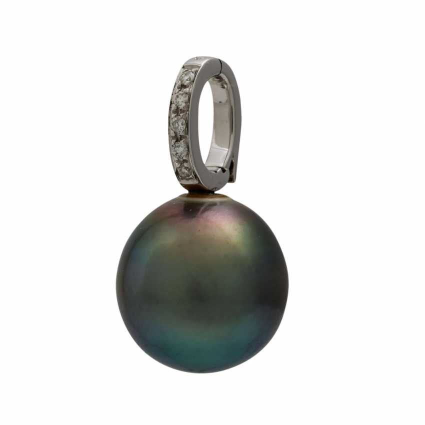 Pendant with Tahitian pearl and small diamonds, - photo 3