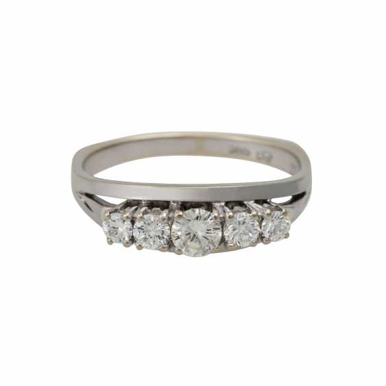 Ring with 5 brilliant-cut diamonds totaling approx. 0.5 ct, - photo 2