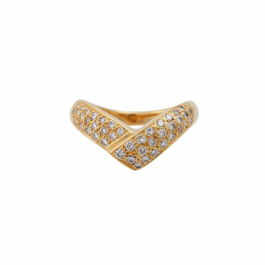 Ring with diamonds totaling approx. 0.7 ct, - photo 2