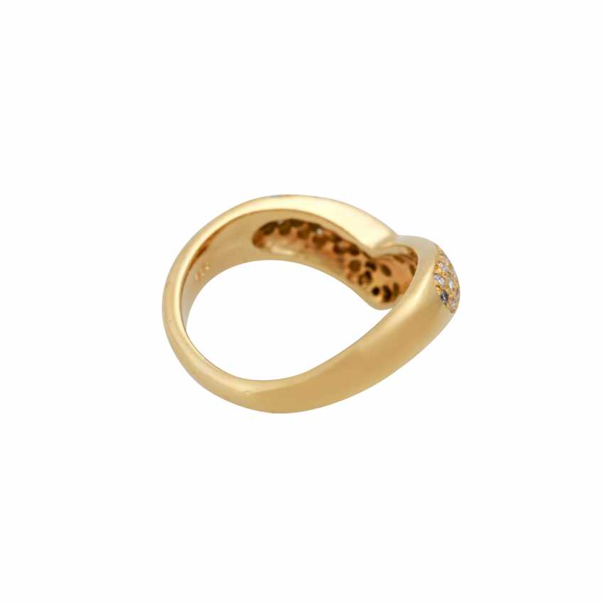 Ring with diamonds totaling approx. 0.7 ct, - photo 3