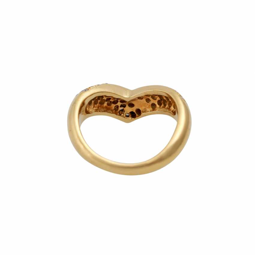 Ring with diamonds totaling approx. 0.7 ct, - photo 4