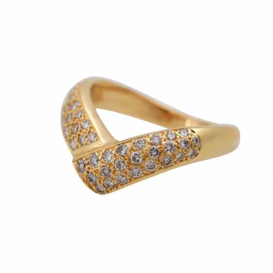 Ring with diamonds totaling approx. 0.7 ct, - photo 5