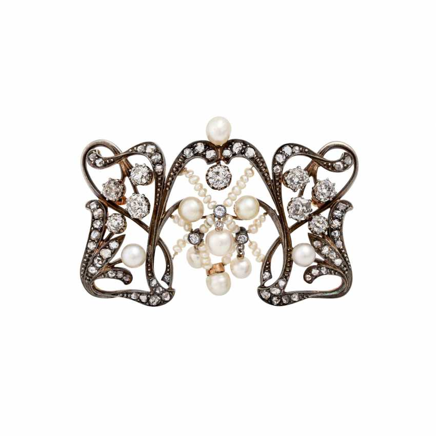 Art Nouveau brooch with old European cut diamonds totaling approx. 2.0 ct - photo 1