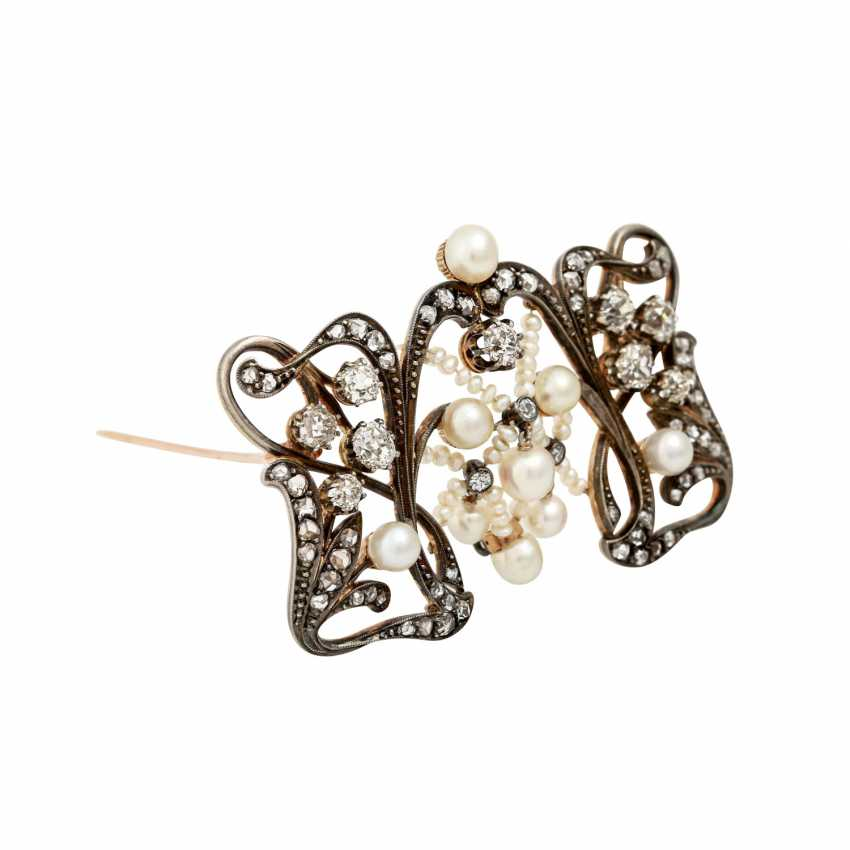 Art Nouveau brooch with old European cut diamonds totaling approx. 2.0 ct - photo 2