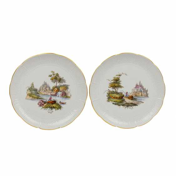 LUDWIGSBURG pair of 'Landscapes' wall plates, 1st choice, 20th century. - photo 1