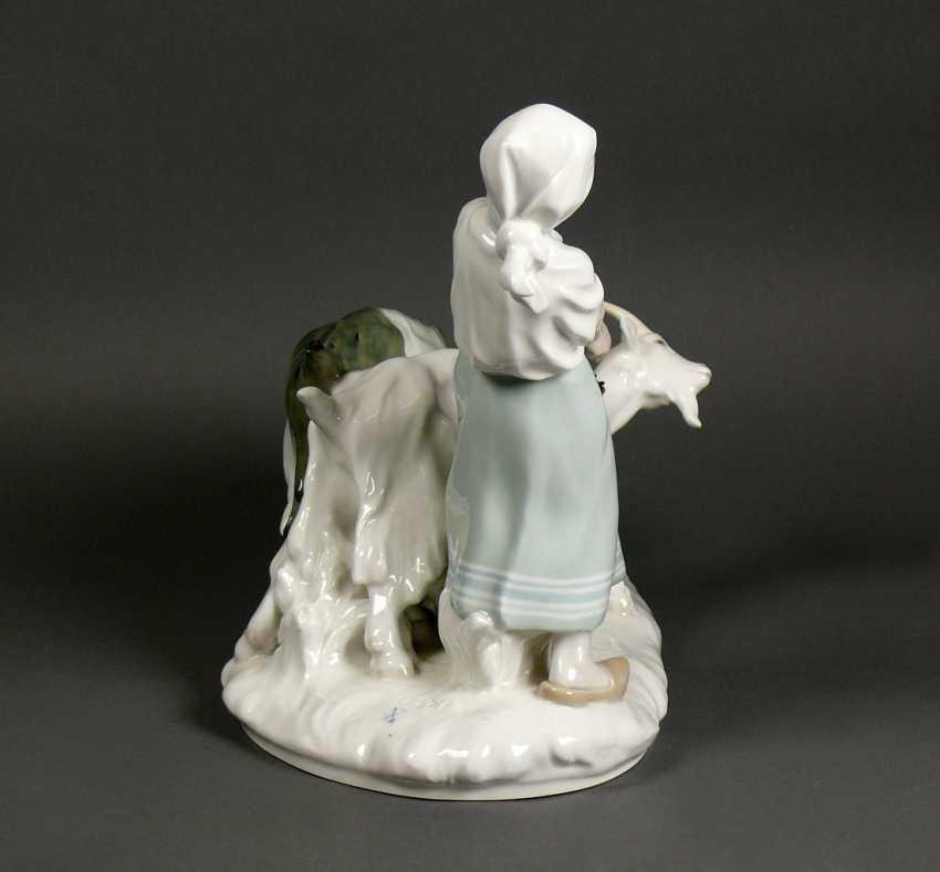 Porcelain group - photo 9