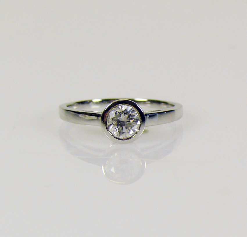 Solitaire diamond ladies ring - photo 2