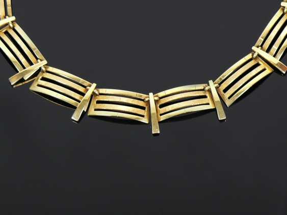 a necklace - photo 2