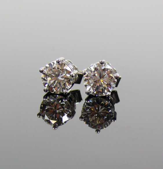 Pair of brilliant earrings - photo 4