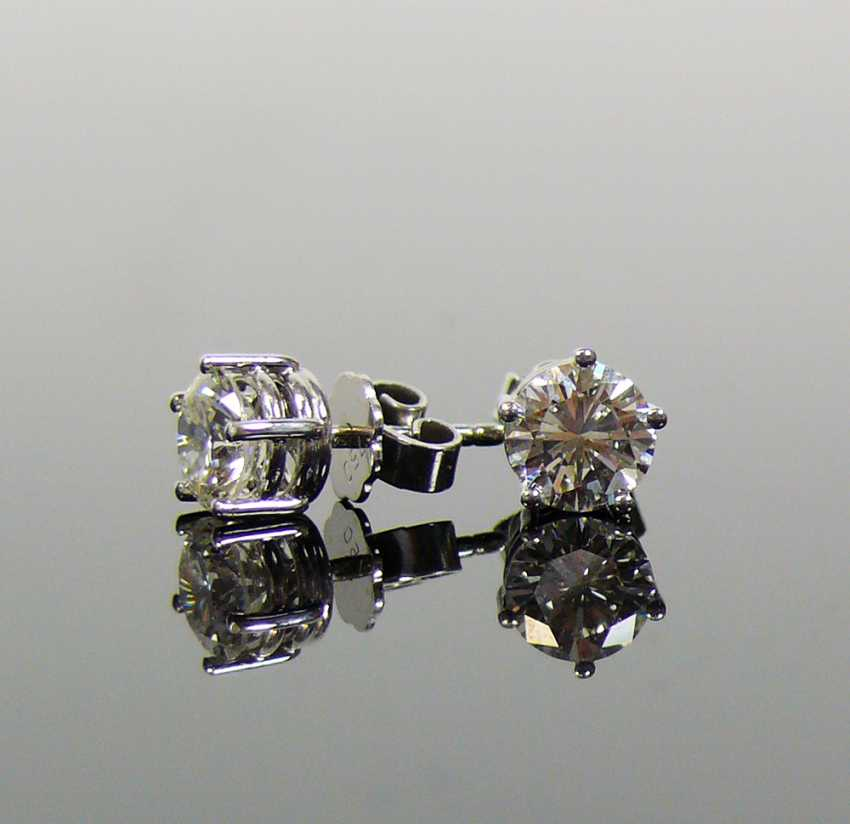 Pair of brilliant earrings - photo 5