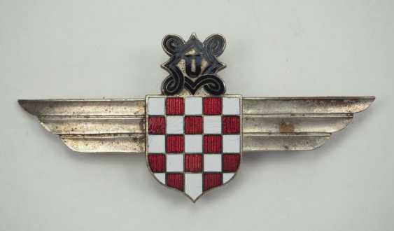 Croatia: Aviator's clip. Silver-plated non-ferrous metal - photo 1