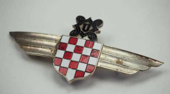 Croatia: Aviator's clip. Silver-plated non-ferrous metal - photo 2