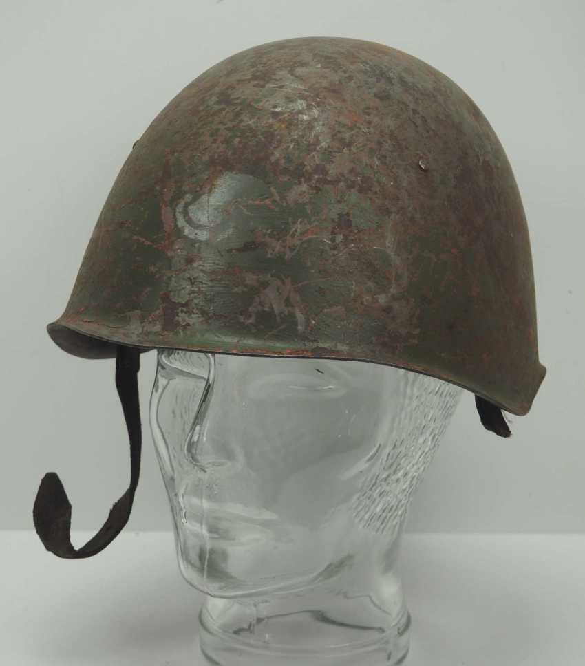 Soviet Union: SSh39 steel helmet. Olive-green bell with stronger signs of wear - photo 1