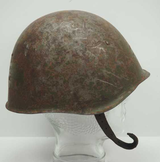 Soviet Union: SSh39 steel helmet. Olive-green bell with stronger signs of wear - photo 3