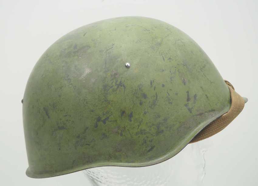 Soviet Union: SSh39 steel helmet. Olive green bell - photo 3